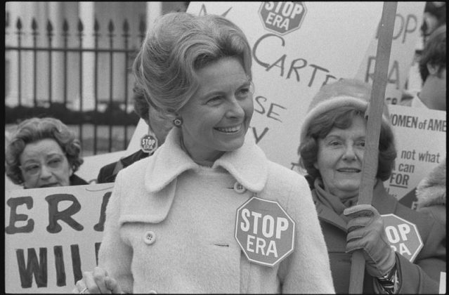 """Schlafly and her army of """"housewives"""" demonstrating against the Equal Rights Amendment in front of the White House in 1977. (Library of Congress)"""